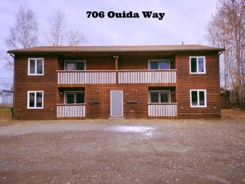 706 Ouida Way Photo 1
