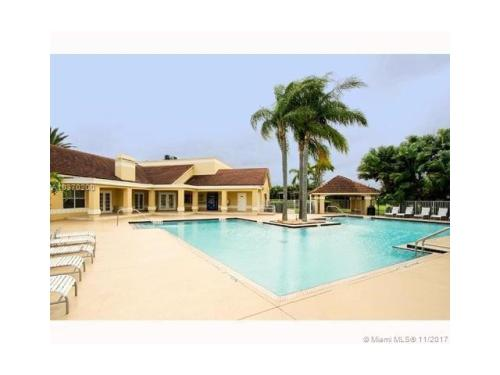 701 Vista Isles Drive Photo 1