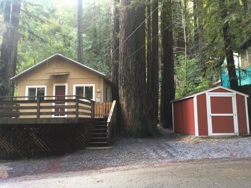 15126 Sequoia Road Photo 1
