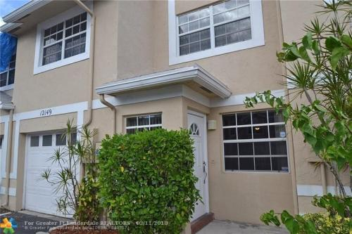 12149 SW 50th Court Photo 1