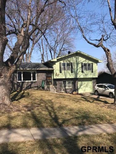2102 Victoria Avenue Photo 1