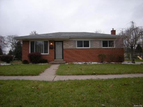 8905 Harvey Street Photo 1